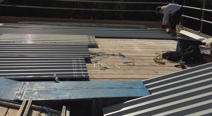 Scaffold loading platform