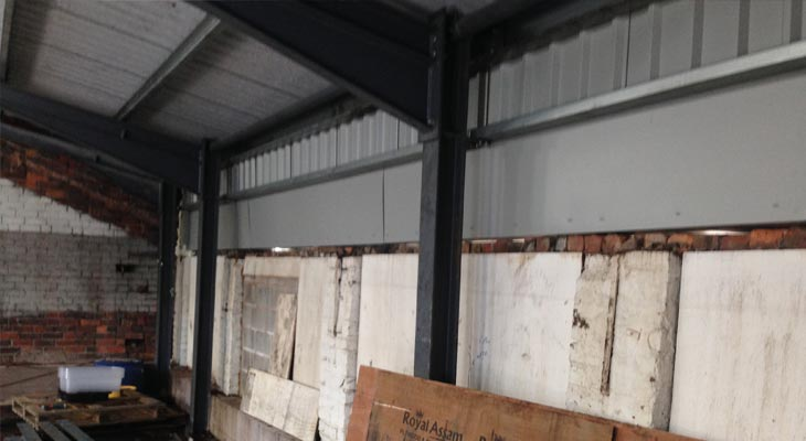 Internal Overclad Amp Gutter Remedial Works In Dudley