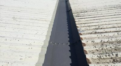 Difference between two industrial roofs after cleaning and treating with Giromax