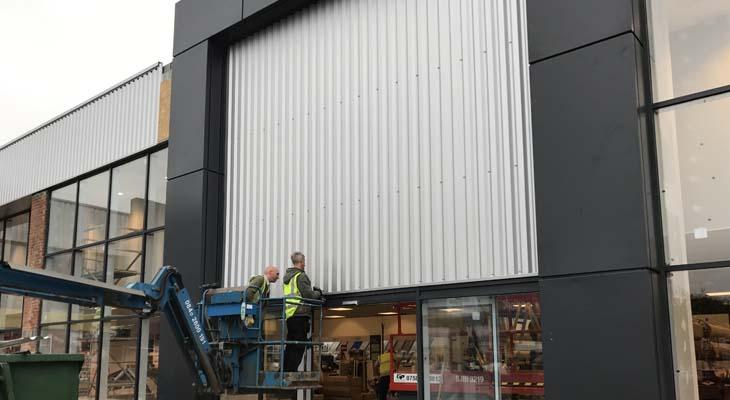 Kingspan MR1000 panels being installed
